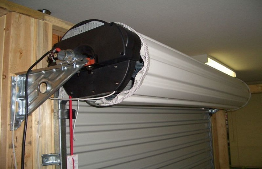 Garage Door Repair Services in Thousand Oaks
